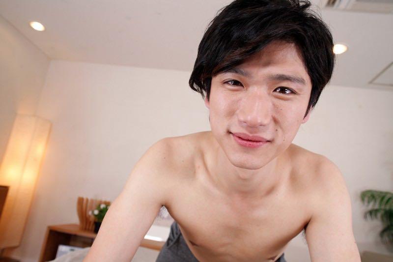 ゲイにお勧め!有馬芳彦(ありまよしひこ)君と朝からエッチな気分になれるVR動画